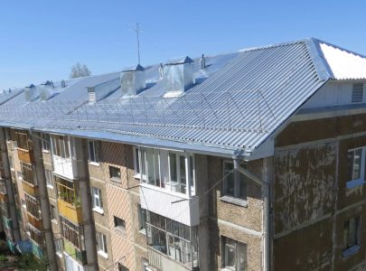 Ремонт протекающей крыши в многоэтажном доме